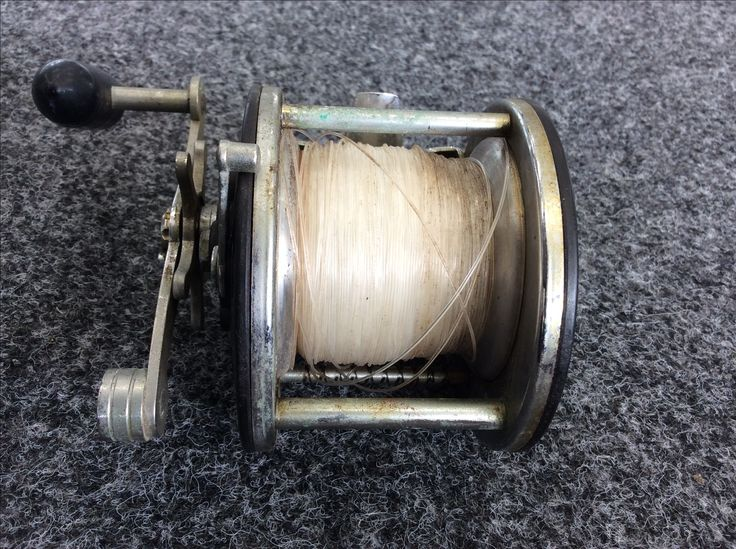 Penn Saltwater Fishing Reel 309 Level Wind 350 Yard / 20 Pound Capacity 2.8:1 GR. Priced at $29.99, available at Gadgets and Gold!