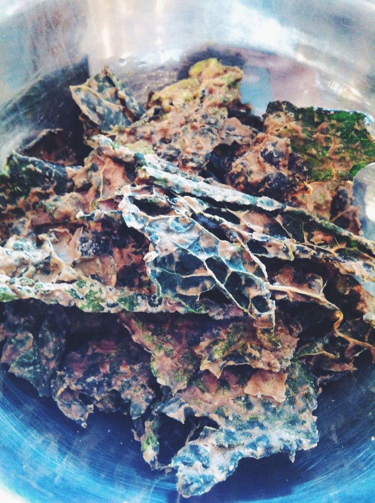 My own Creamy Apple and Ginger Kale Chips