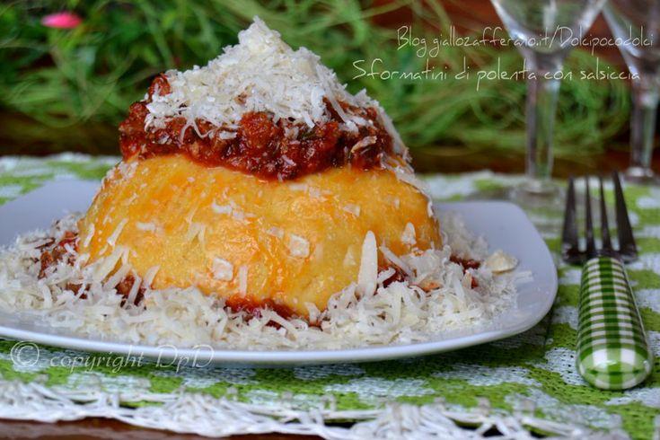 Sformatini di polenta Ricetta preparata con il metodo senza mescolare. Da fare in 5 minuti di lavoro e si possono fare anche in anticipo di 1 giorno !!  QUI la Ricetta http://blog.giallozafferano.it/dolcipocodolci/sformatini-polenta-salsiccia/