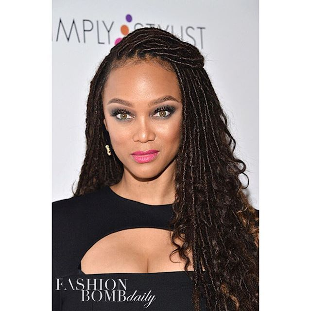 New mom and smize queen @tyrabanks debuted a new 'do in L.A. Thoughts on her faux locs? Hot! ...