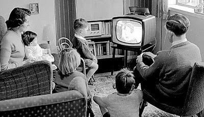 13 000 People In UK Still Use Black-and-White TV
