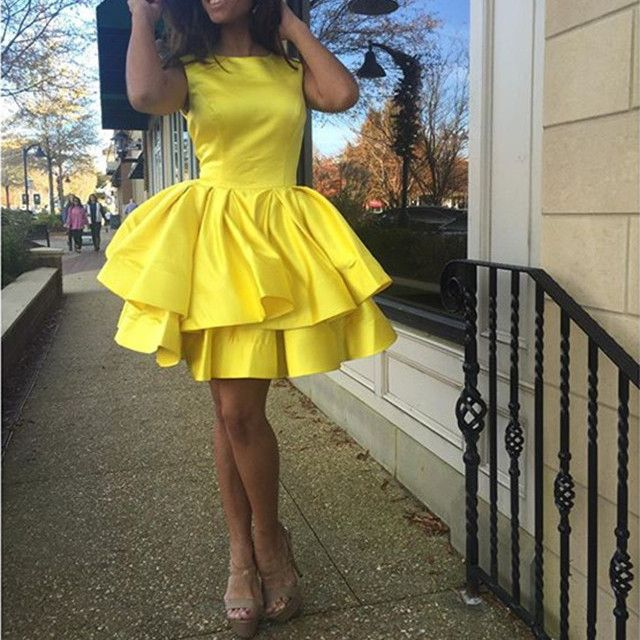Hot Sale Yellow Satin Ruffles Ball Gown Homecoming Dresses 2017 Graduation Dresses Scoop Mini Formal Party Gowns