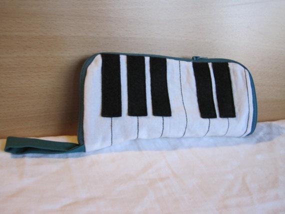 Piano keys pencil case