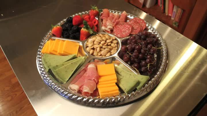 Video: Healthy, Easy, Meat & Cheese Party Tray Ideas