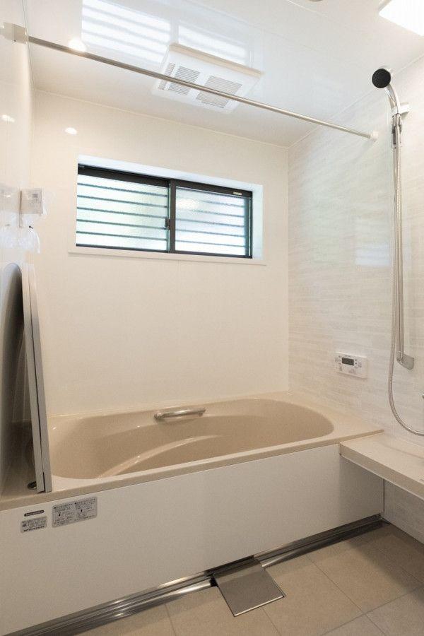 家族の想いが詰まった家 キノハウスの写真集 浴室 間取り 浴室 窓 家