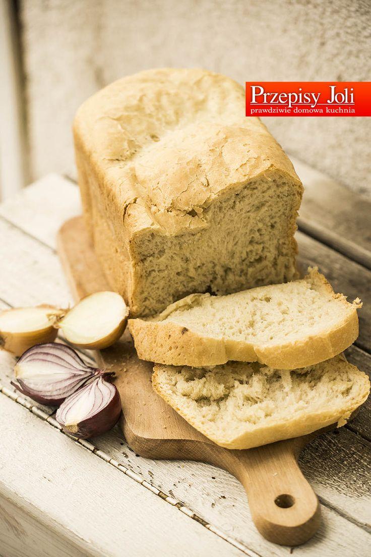 CHLEBEK CEBULOWY - cebula w chlebie delikatnie zaostrza jego smak i przepięknie podbija aromat. Największym problemem jest to jak powstrzymać się przed zjedzeniem go zaraz po wyjęciu z maszyny do p...
