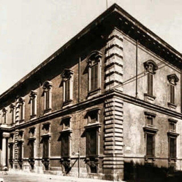 Accademia Aperta Historic Building #AccademiaAperta #visual_roots #FondPeruzzo