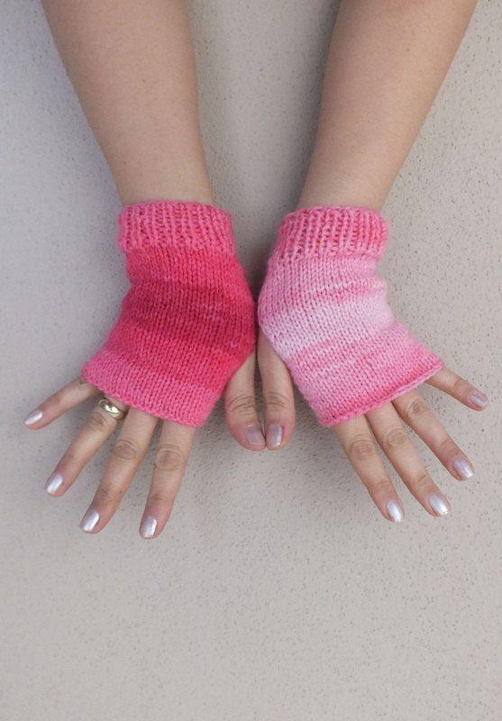 GLOVES // Fingerless gloves, pink cream  gloves cozy gloves free shipping on Etsy, 15,58€