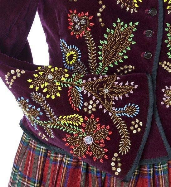 Beautiful #Polish #embroidery.  Found on http://kimmariesembroidery.tumblr.com/post/102617173321/polish-embroidery