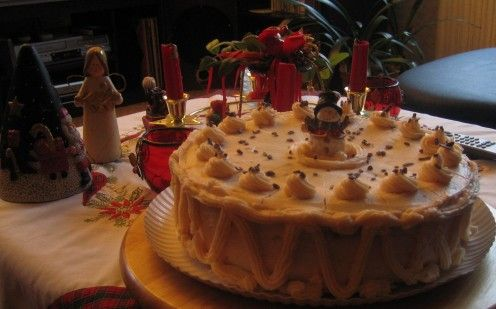 Christmas  Cake  2007 made by myself in Germany.