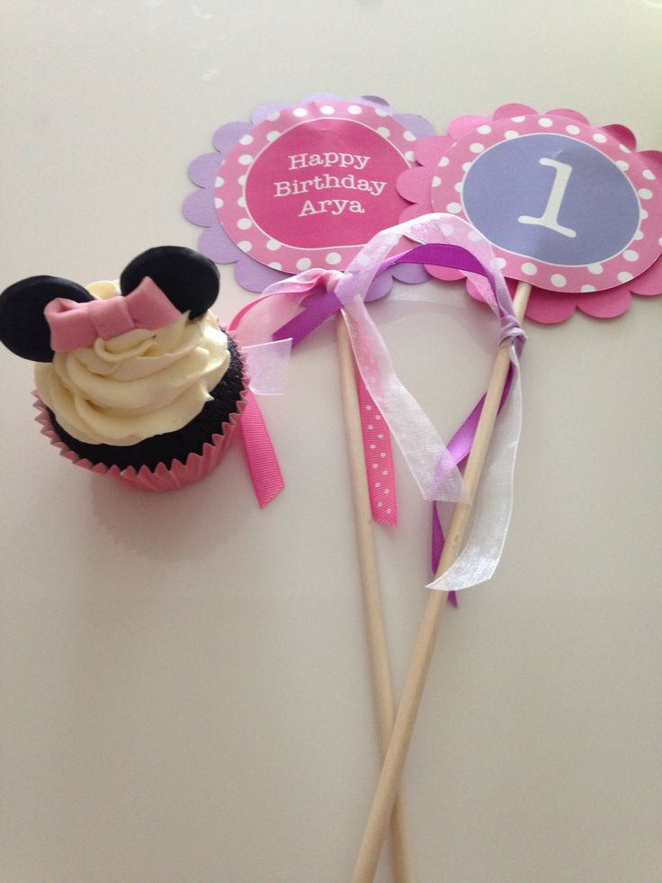 Minnie Mouse Cupcake for first birthday party