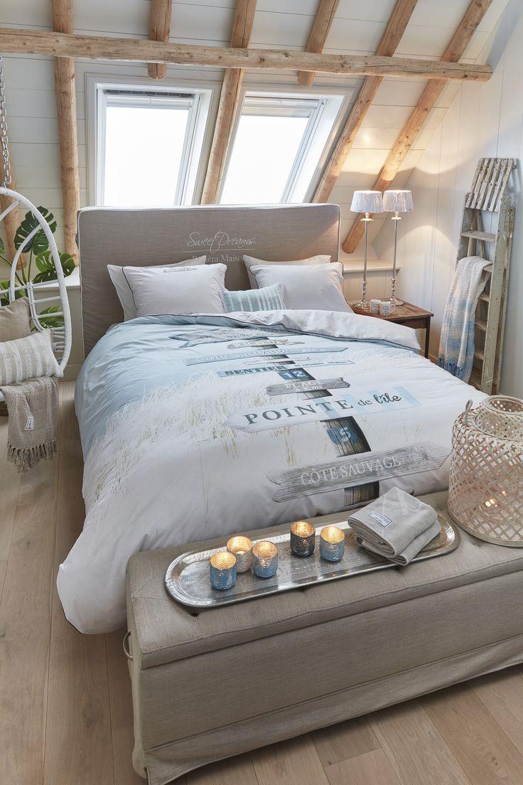 Trend alert! Het nieuwe bedtextiel van Rivièra Maison is binnen bij LodgeLife! Deze mooie dessins geven uw slaapkamer gegarandeerd een zomerse upgrade. Style het geheel af met natuurlijke tinten en landelijke accessoires om een relaxte oase te creëren.
