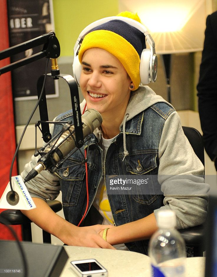 Justin Bieber sits down for an exclusive interview at The Elvis Duran Morning Show at Z100 Studio on November 17, 2011 in New York City.