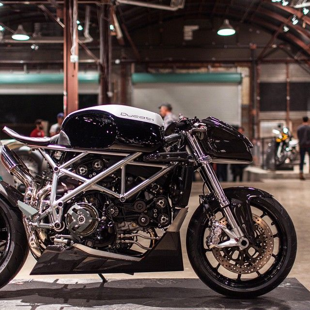 caferacersofinstagram 39 s photo ducati 848 39 le caffage 39 by apogeemotoworks so much attention. Black Bedroom Furniture Sets. Home Design Ideas