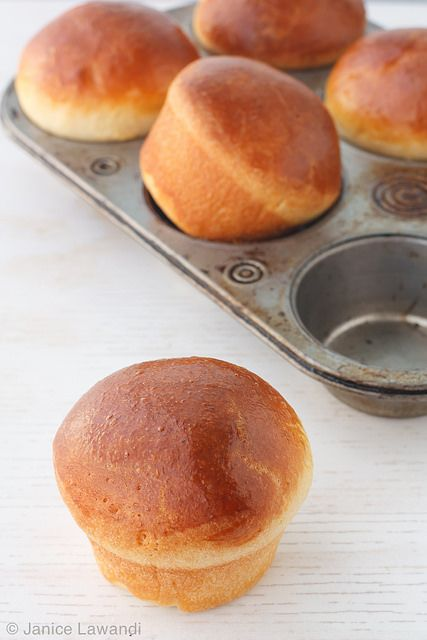 brioche buns by Kitchen Heals Soul, via Flickr