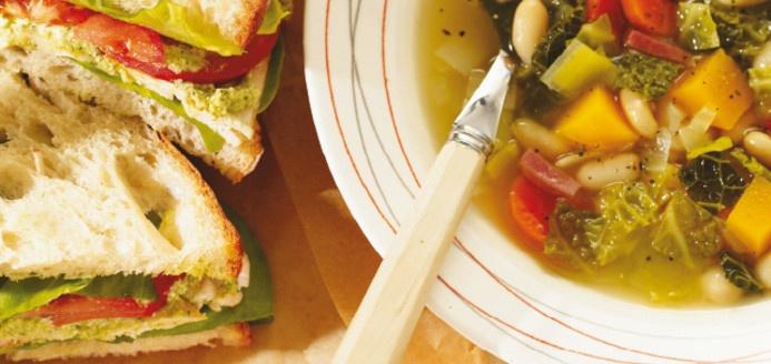 Sandwich au poulet grillé Recettes   Ricardo
