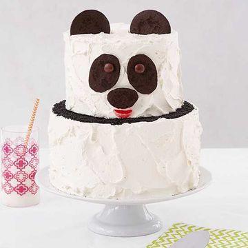 Panda-monium! This lovable bear is perfect for a zoo-themed party. Get the recipe: http://www.parents.com/recipe/panda-monium/