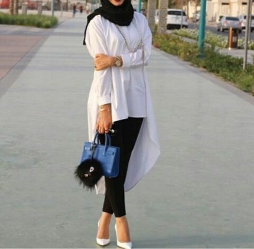 long-white-tunic-hijab-chic- Beautiful fall hijab trends http://www.justtrendygirls.com/beautiful-fall-hijab-trends/