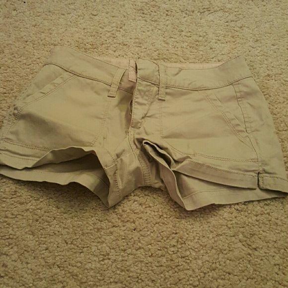 Tan shorts Short shorts, tan, has those clips instead of button to close. Arizona Jean Company Shorts Cargos