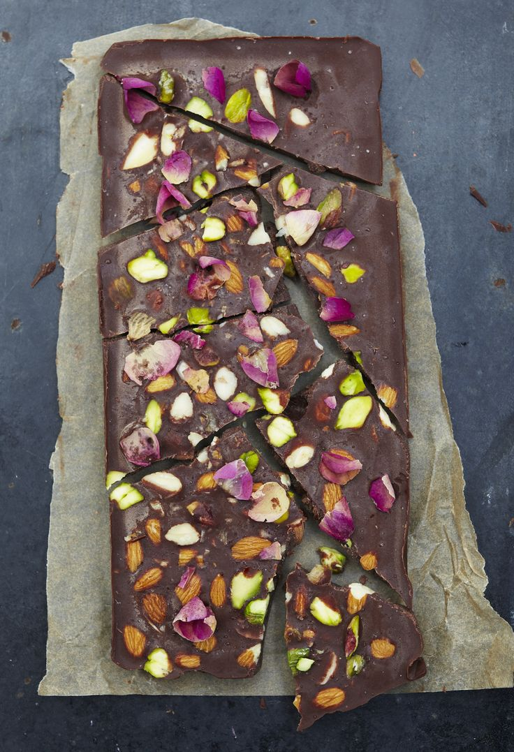 Raw chocolate is full of antioxidants, therefore a healthy chocolate alternative. A delicious dairy and refined sugar free chocolate recipe made with cacao!