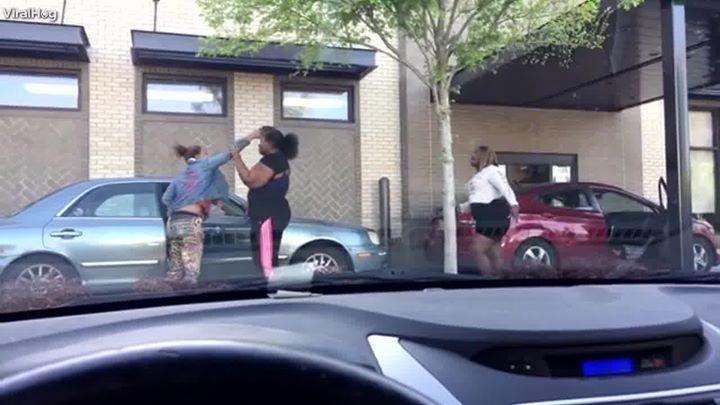 Woman Pulls Gun In Drive Thru A Lunch Run Didnt Go As Planned