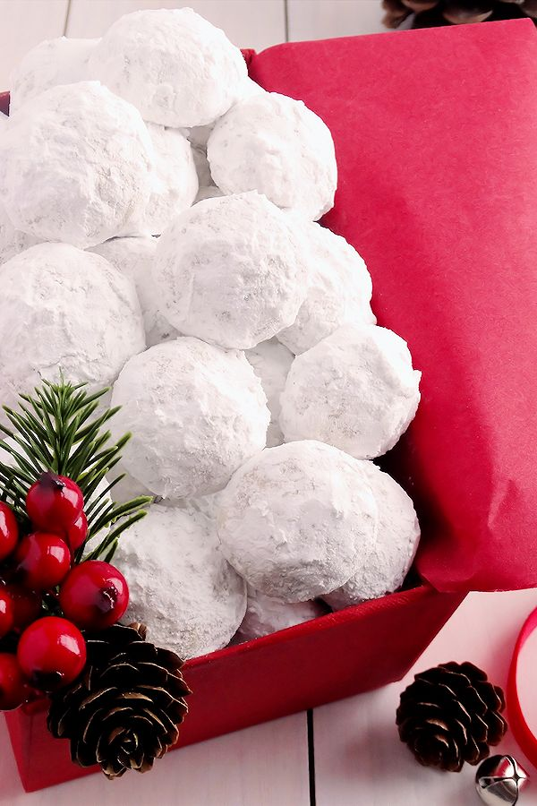 Snowball Christmas Cookies ~ Simply the BEST! Buttery, never dry, with plenty…