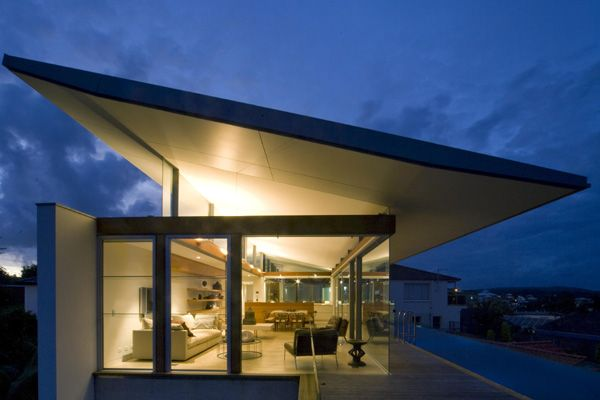 Modern Beach House in Sydney, Australia Designed by Jorge Hrdina Architects