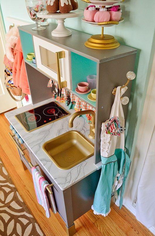 Частичка ИКЕА есть в каждом доме - Яркая кухня для маленького кулинара
