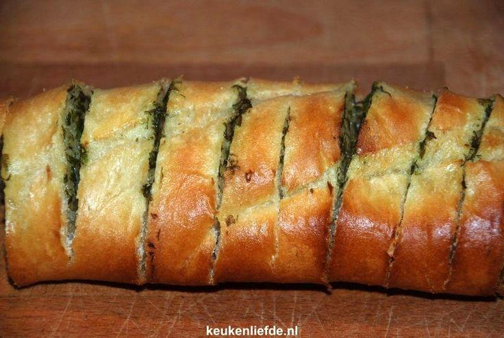 Stokbrood met kruidenboter - redder in nood!