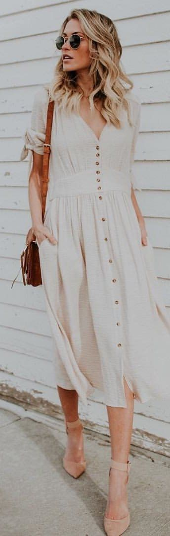 #winter #outfits white button-up rolled-sleeve dress. Pic by @vicidolls.
