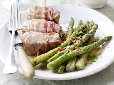 Varkensmedaillons met groene asperges