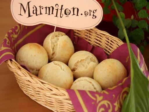 Petits pains levure chimique J'ajoute lardons+oignons revenus ou graines lin/sésame. Miam!