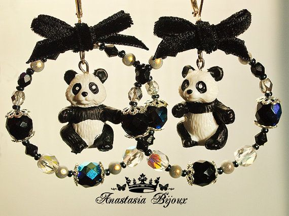 12 best bijoux panda images on pinterest panda panda bears and pandas. Black Bedroom Furniture Sets. Home Design Ideas