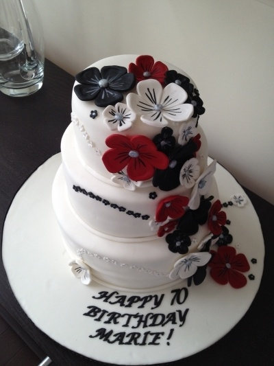 red, black and white flowers Cake By stephyyz on CakeCentral.com