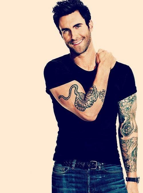 Adam Levine with his tattoo <3 Adam Levine + Tattoos = FINE!!!!