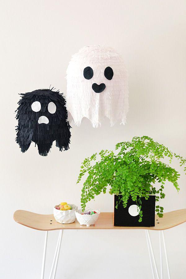 DIY Ghost piñatas