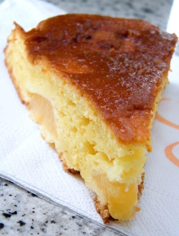 Torta di arance e cannella con scaglie di mandorle pralinate allarancia