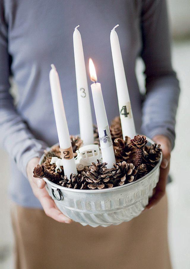 DIY Christmas decoration #xmas #candle - Zelfmaakidee: Kerst pudding(vorm) #kerst #kaarsen www.101woonideeen.nl