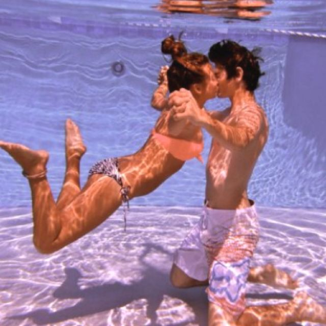 one day this shall be a picture I take with my boyfriend I think that is the cutest pic ever! :)