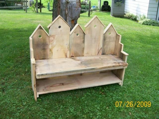 Birdhouse Bench Made From Barn Wood Pallets