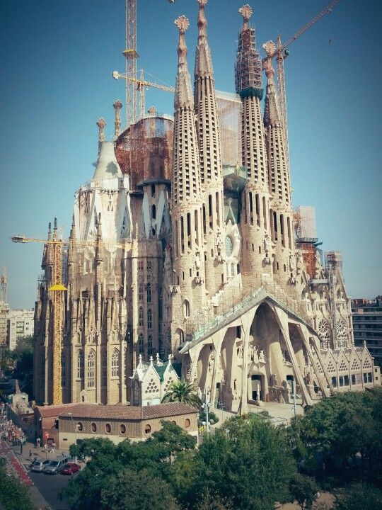 17 best images about my favorite places on pinterest for Kathedrale barcelona gaudi