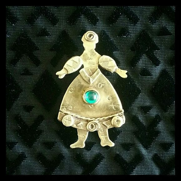 Xoxo Gem Lady Deborah Roberts Signed Pin This is a signed pieced by well known artisan, Deborah Roberts.   Brooch or pin features a brass lady with a green gem - x's and o's. Deborah Roberts Jewelry Brooches