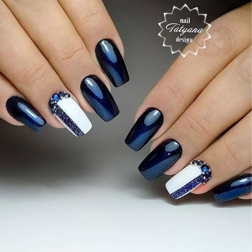 bleu nuit manucure