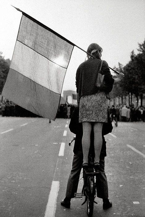 Pendant les manifestations étudiantes, Paris, mai 1968 - Henri Cartier-Bresson