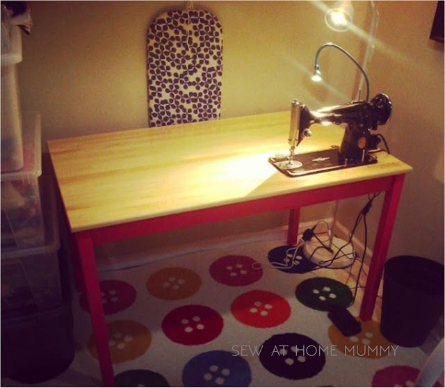 17 best images about vintage sewing machines on pinterest sewing box i clean and vintage sewing. Black Bedroom Furniture Sets. Home Design Ideas