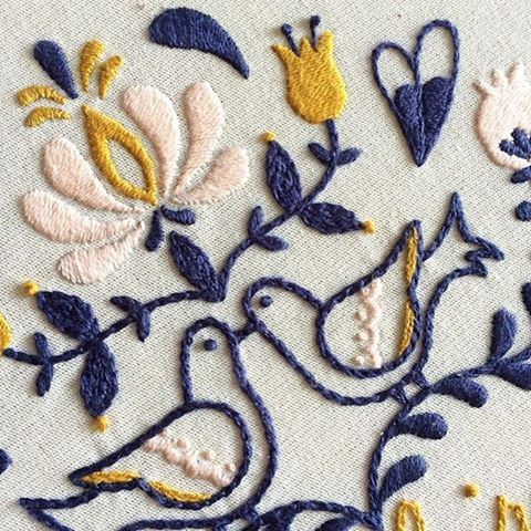 Detalhes: ponto haste e ponto cheio {detail: steam stitch and sarin stitch} #clubedobordado