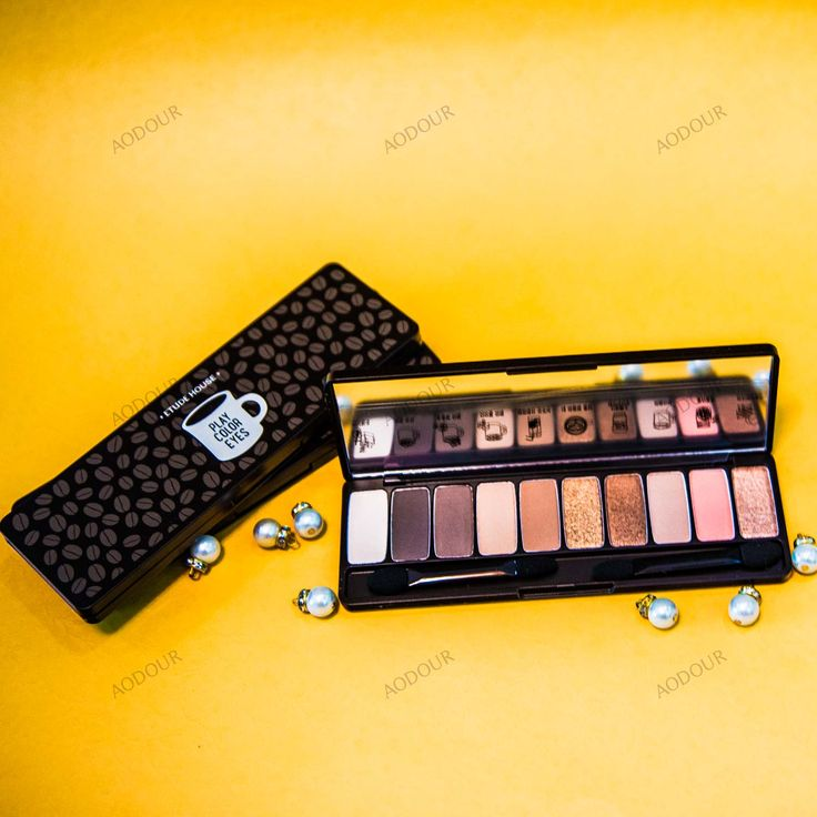 A gorgeous palette featuring beautiful coffee colors in different variations. This richly pigmented palette is everything you need for everyday spark in your eyes!