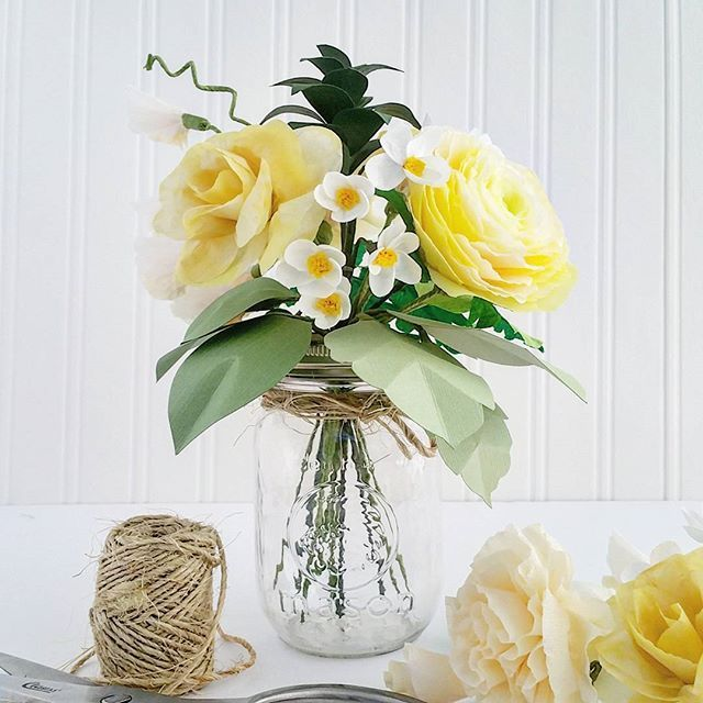What have I been doing for the last 2.5 weeks? Making these yellow wildflower centrepieces for an upcoming rustic-themed wedding. 15 more to put together... . . . #diy #diywedding #diyprojects #wedding #weddings #bridalshower #love #papercrafts #paperflowers #crepepaperflowers #centrepiece #weddingideas @thepaperplace @michaelstores @emmalinebride @stylemepretty @theknot @weddingchicks
