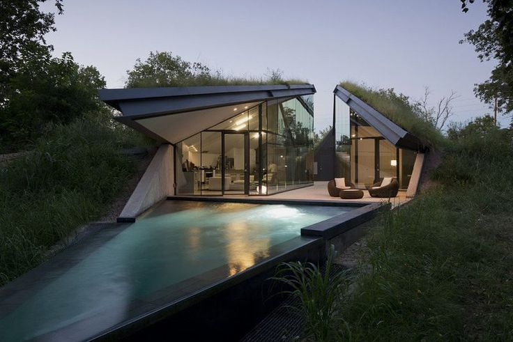 Eco-Friendly and Modern House Inspired by Native American Pit House - Edgeland House