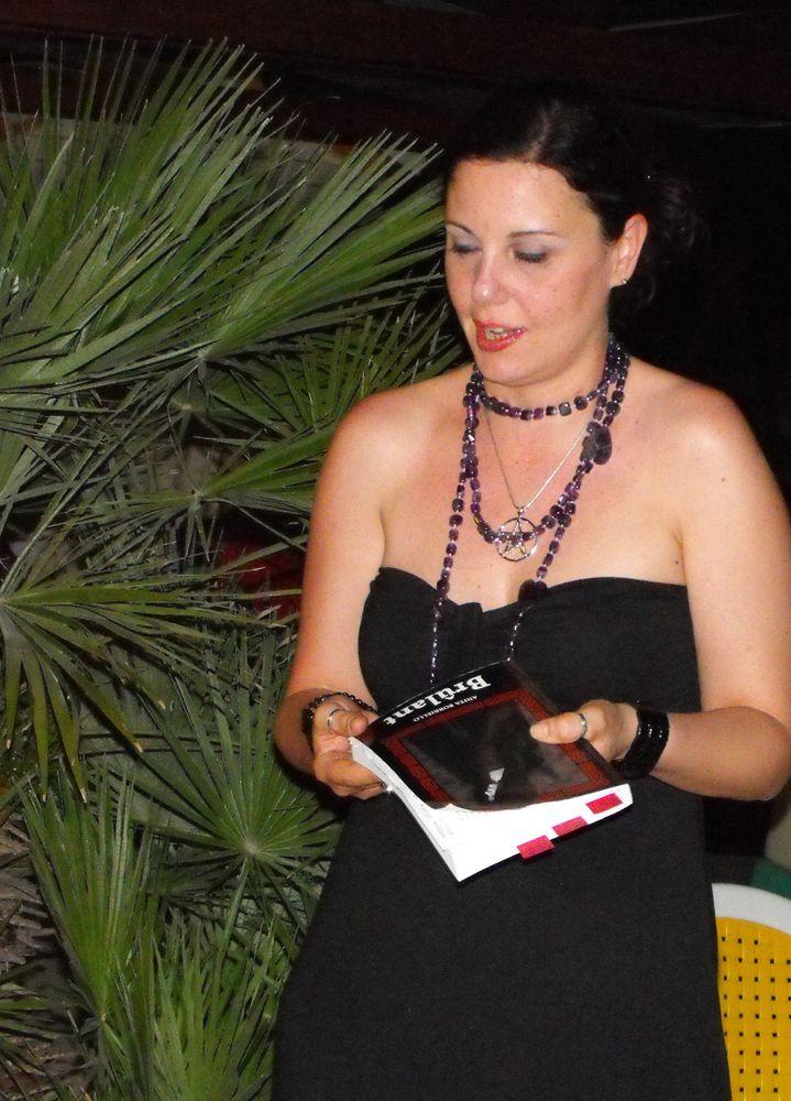 """Presentazione """"Brûlant"""" di Anita Borriello - #riccione #spiaggia #mare #libri #esoterico #rito #solstiziodestate"""